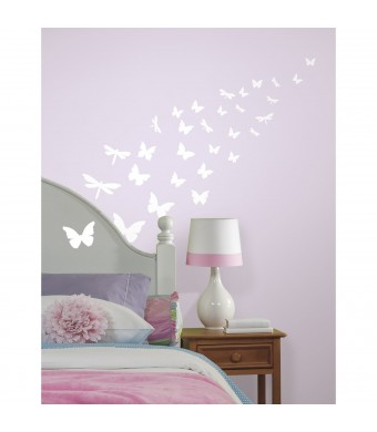 ROOMMATES RMK1706SCS Butterfly and Dragonfly Glow in the Dark Wall Decals