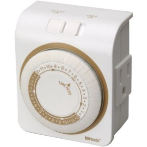 Woods 3-Conductor Indoor Mechanical 24-Hour Timer for Lamps and Appliances, White, 50001