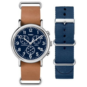 Timex Unisex Weekender Chronograph Watch Gift Set, Brown Leather Strap + Extra Navy Nylon Strap