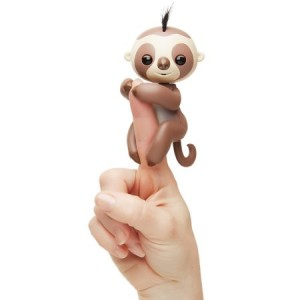 Fingerlings - Kingsley The Interactive Baby Sloth ( Exclusive) - Brown - By WowWee