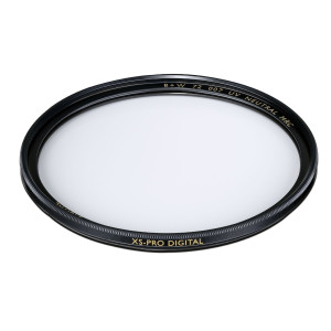 B+W 49mm XS-Pro Clear UV Haze with Multi-Resistant Nano Coating (010M)