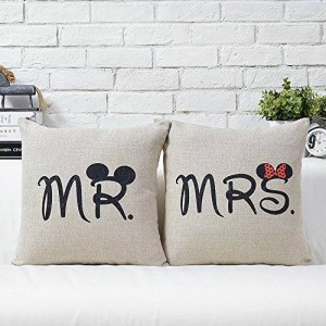 Uphome 18-inch Cotton Linen Decorative Couple Throw Pillow Cover Cushion Case Couple Pillow Case Set of-2 Mr and Mrs