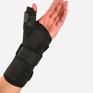 Therapist's Choice Therapist's Choice Wrist Brace with Spica Thumb Support, Universal Size (Right)