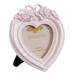 Gift Garden Heart Shaped Picture Frame 3.5x3.5 Inch