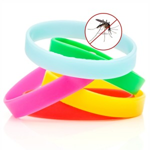BlizeTec Mosquito Repellent Bracelet: All Natural Non-Deet Wristband with Glow in the Dark Function (5 Pack)