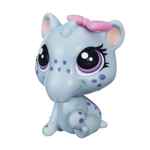 Littlest Pet Shop Get the Pets Single Pack Irina Snoutsky Doll