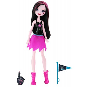 Monster High Cheerleading Draculaura Doll and Accessory