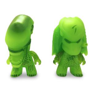 Alien vs Predator 3 inchTITANSVinyl Figure 2-Pack