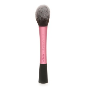 Real Techniques by Sam & Nic Chapman Blush Brush