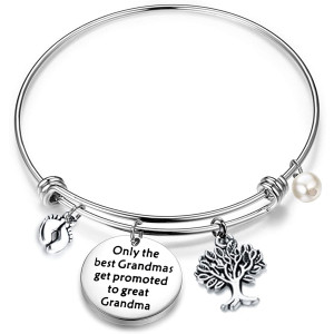 FUSTMW Baby Reveal Gift for Grandma New Grandma Bracelet Only The Best Grandmas Get Promoted to Great Grandma Baby Announcement Gift